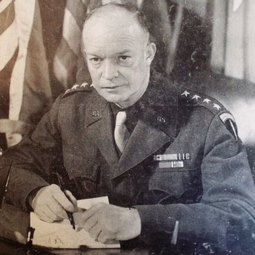 Supreme Commander Dwight Eisenhower D-Day G45302